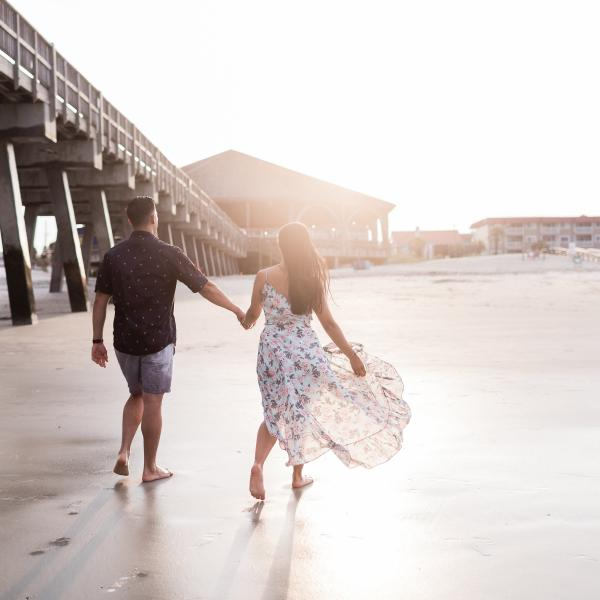 couple pier photographer photoshoot