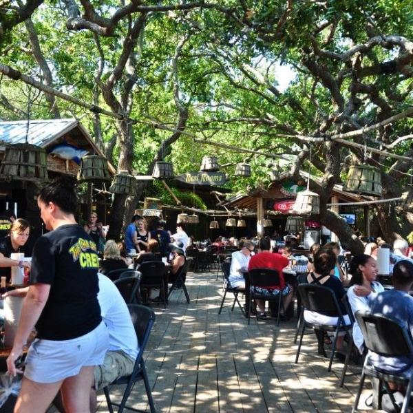 tybee-island-outdoor-dining-The-Crab-Shack-seafood-restaurants