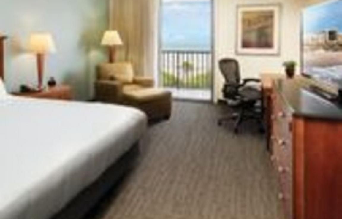 One King Bed Ocean View Guestroom