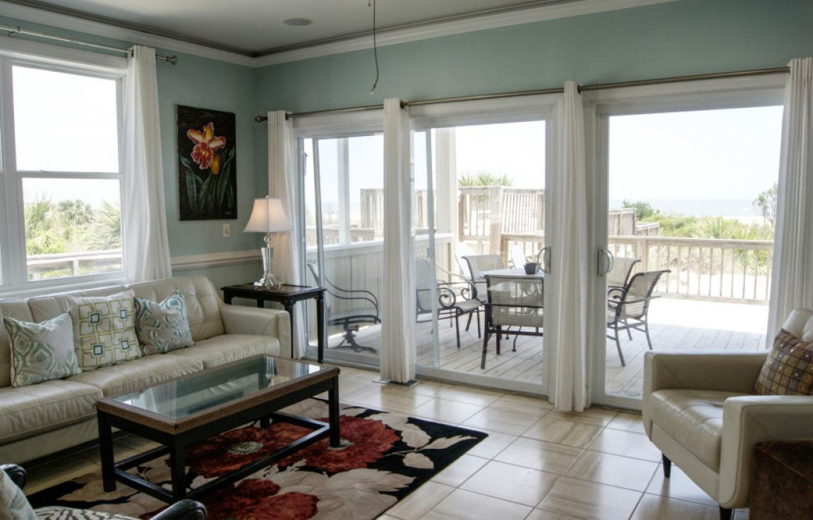 Ocean Queen Living Room